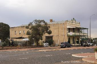 Menzies - the Hotel and Pub